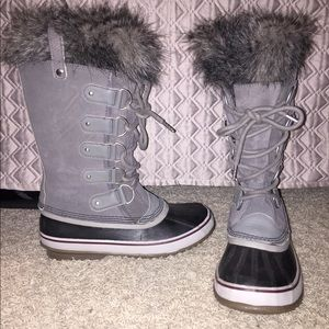 Sorel Joan of Arctic winter boots. Size 9